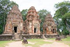 暹粒,柬埔寨- 2016年12月01日:在Roluos寺庙的Preah Ko A 免版税库存照片