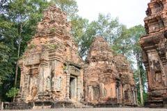 暹粒,柬埔寨- 2016年12月01日:在Roluos寺庙的Preah Ko A 库存照片
