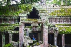 暹粒,柬埔寨- 2017年10月10日:惊人的寺庙的游人 图库摄影