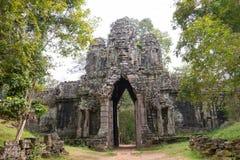 暹粒,柬埔寨- 2016年12月13日:死者的门吴哥Th的 库存图片