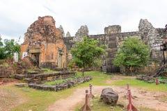 暹粒,柬埔寨- 2016年12月05日:Phnom Bakheng在吴哥 fa 图库摄影