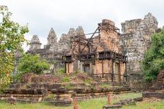 暹粒,柬埔寨- 2016年12月05日:Phnom Bakheng在吴哥 fa 免版税库存照片