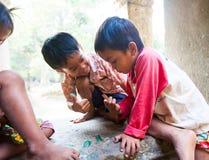 暹粒,柬埔寨2014年2月4日:一个小组未认出 库存图片