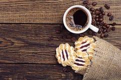 曲奇饼和咖啡 免版税库存图片