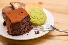 曲奇饼和果仁巧克力 库存照片