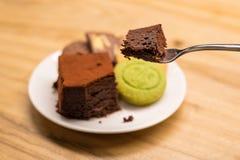 曲奇饼和果仁巧克力 库存图片
