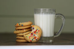 曲奇饼牛奶 免版税库存照片