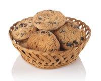 曲奇饼用在篮子的巧克力 库存照片