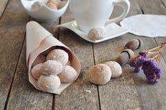 曲奇饼用桂香和榛子 免版税库存图片