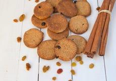 曲奇饼用桂香和葡萄干 库存照片