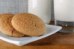曲奇饼自创牛奶 免版税库存照片