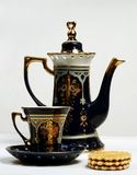 曲奇饼茶杯茶壶 免版税图库摄影