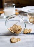 曲奇饼,心脏形状在瓶子的 免版税库存图片
