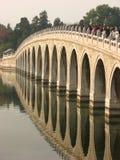 曲拱北京桥梁宫殿十七夏天 免版税库存照片