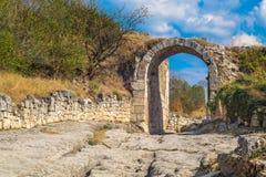 曲拱和古城的路山的在a 库存照片