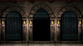 曲拱和开放铁门 免版税库存照片