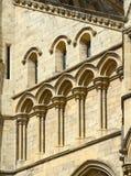 曲拱和柱子在约克大教堂 免版税库存照片