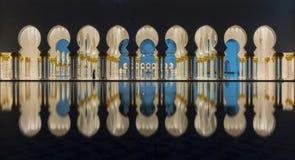 曲拱在清真寺 免版税库存图片