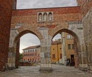 曲拱在米兰 免版税库存图片