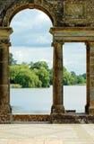 曲拱城堡英国老庭院hever 库存图片