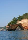 曲拱大湖岩石 库存照片