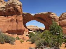 曲拱成拱形残破的国家公园 库存照片