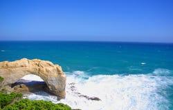 曲拱极大的海洋路 库存图片