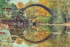 曲拱桥梁在Kromlau 惊人的地方在德国 库存图片