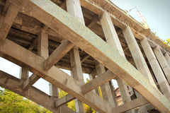 曲拱桥梁柱子  库存照片