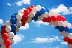 曲拱气球 免版税图库摄影