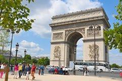 曲拱法国凯旋式的巴黎 免版税库存图片