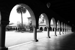 曲拱的样式 黑色&白色 免版税库存图片