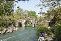 曲拱石桥梁 库存照片