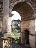 曲拱罗马titus 免版税库存图片