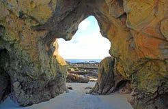 曲拱,拉古纳海滩,加利福尼亚。 免版税库存图片
