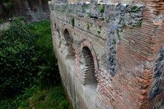 曲拱,赫库兰尼姆考古学站点,褶皱藻属,意大利 库存图片