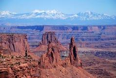曲拱canyonlands mesa国家公园视图 图库摄影