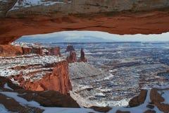 曲拱canyonlands mesa国家公园 库存图片