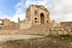 曲拱hadrian在古老jerash 免版税库存图片