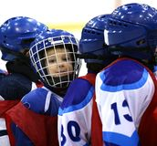 曲棍球运动员年轻人 免版税库存照片