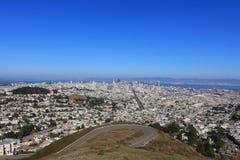 曲线街市路和风景视图从双峰顶的,在Sa中 免版税库存图片