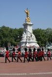 更改的卫兵伦敦 免版税库存图片