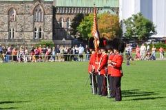 更改的卫兵小山渥太华议会 库存图片