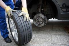 更改轮胎 库存照片