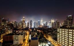 曼哈顿中城夜视图  图库摄影