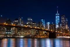 曼哈顿和布鲁克林大桥 夜间 免版税库存照片