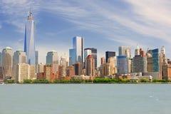 曼哈顿在一个多云夏日 库存图片