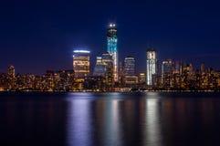 曼哈顿在晚上 库存照片
