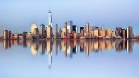 曼哈顿地平线,纽约在晚上 库存图片