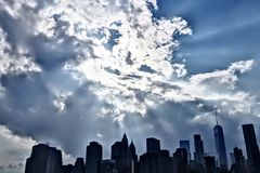 曼哈顿地平线, skyscrappers,大厦全景照片  免版税库存照片